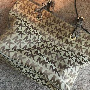 Michael Kors MK Large Handbag